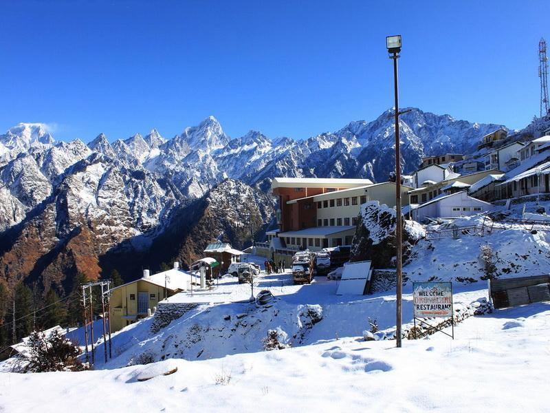 5 Best places to witness snow in Uttarakhand
