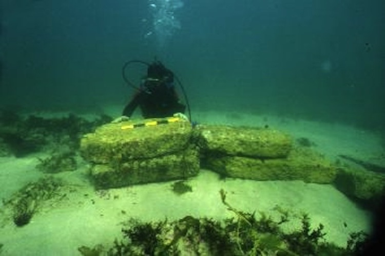 Remains of the underwater city of Dwarka