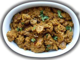 Sindhi cardamom lamb is also calledSindhi Seyal Gosht