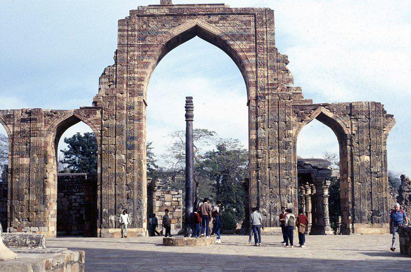 Magical 'Rust Free' Iron Pillar for 2000 years