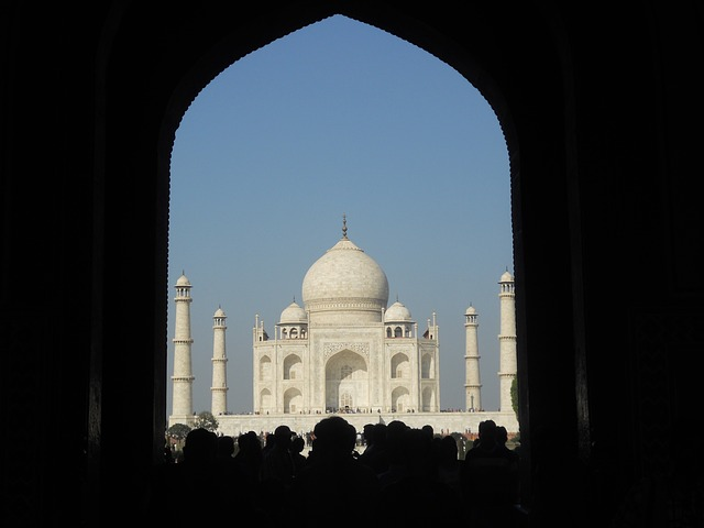 British Governer-General Bentick planned to demolish the Taj Mahal