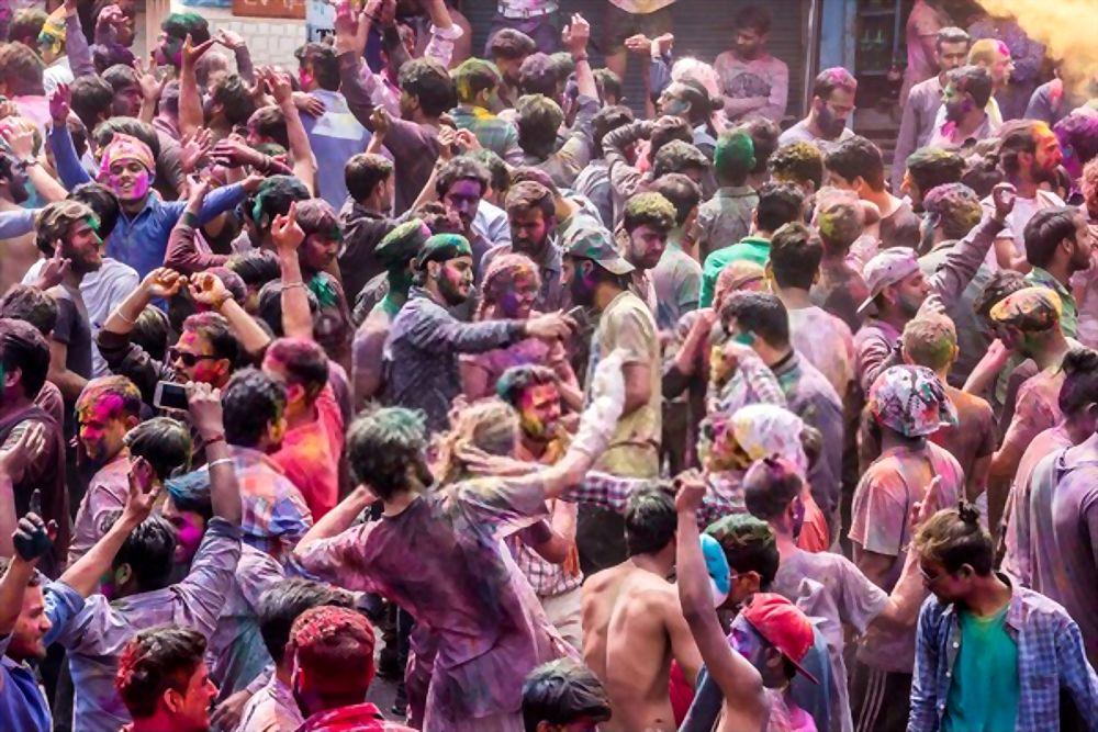 Rishikesh- Holi at Lakshman Jhula