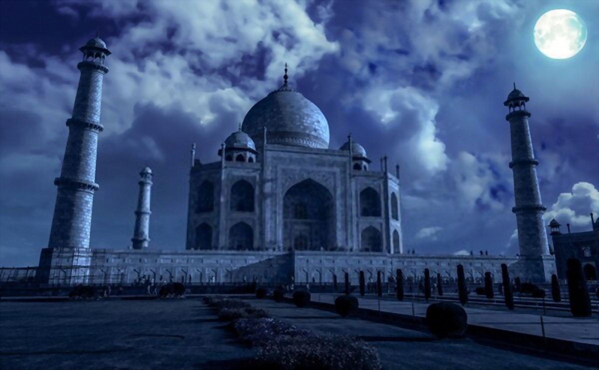 Taj Mahal's Tombs Cleaned First Time in 300 Years For Donald Trump