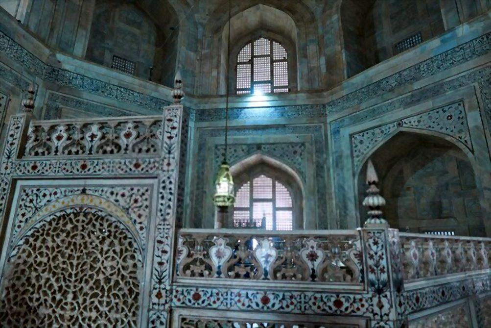 The graves of Taj Mahal