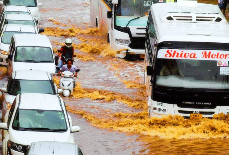 People Share Unbelievable Visuals Of Gurgaon's Flooded Golf Course Road After Rains