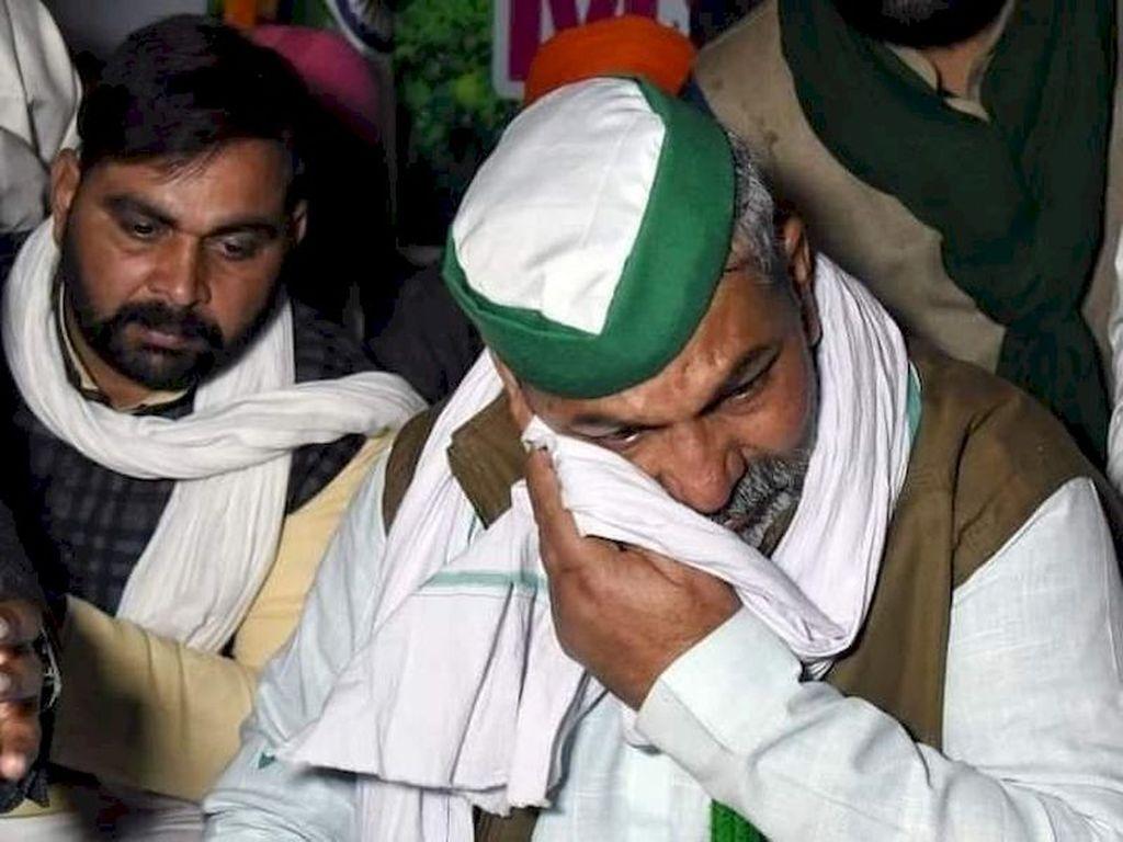 Bharatiya Kisan Union (BKU) leader Rakesh Tikait's emotional outburst on the evening of 28 January