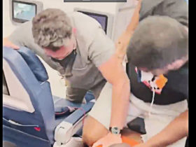 When Pilot Asks 'All Strong Males' to Restrain 'Problem Passenger' He Turns Out to Be Flight Attendant
